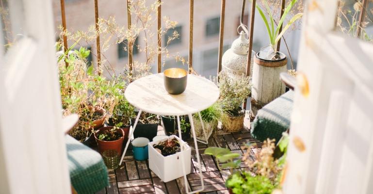 Jak zaprojektować ogród na balkonie?