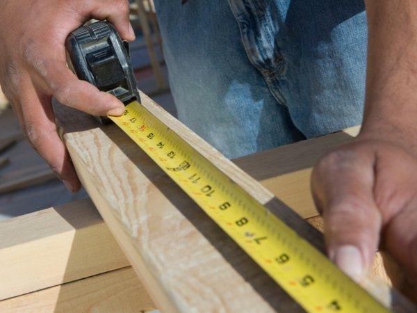 mokre-drewno-konstrukcyjne-czy-mozna-go-uzywac
