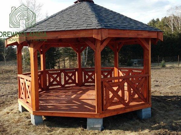 Drewniana altana ogrodowa nowoczesna
