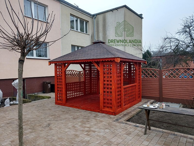 Altana kwadratowa ogrodowa