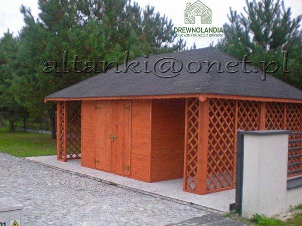 drewutnia na kostce brukowej z ciemnym dachem