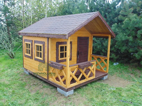 Place zabaw domki z drewna