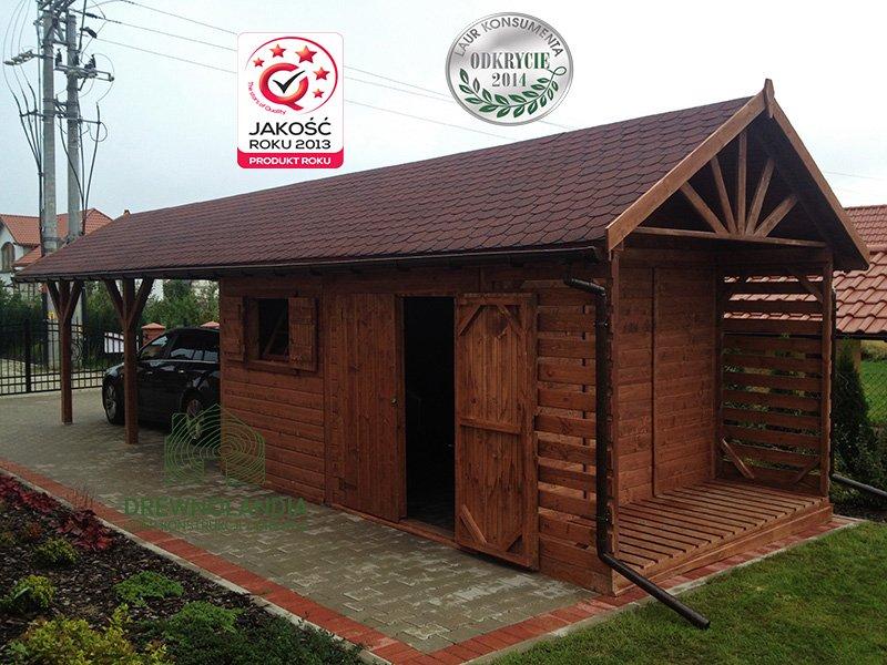 drewniany domek letniskowy brązowy