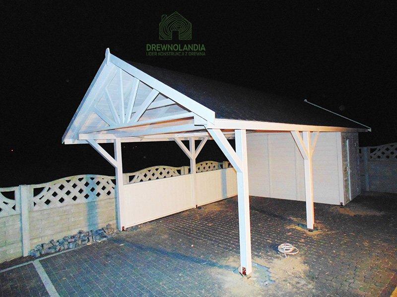 Garaz z drewna drewnolandia
