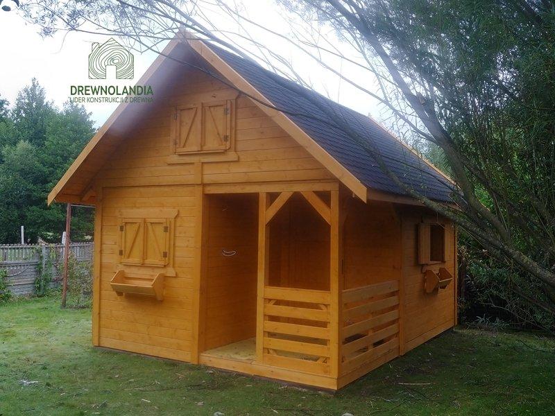 Wiktor i domek z tarasem drewnolandia