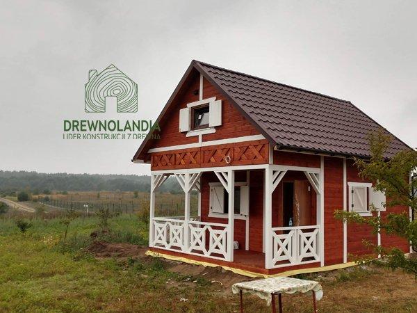 Domek drewniany ogrod
