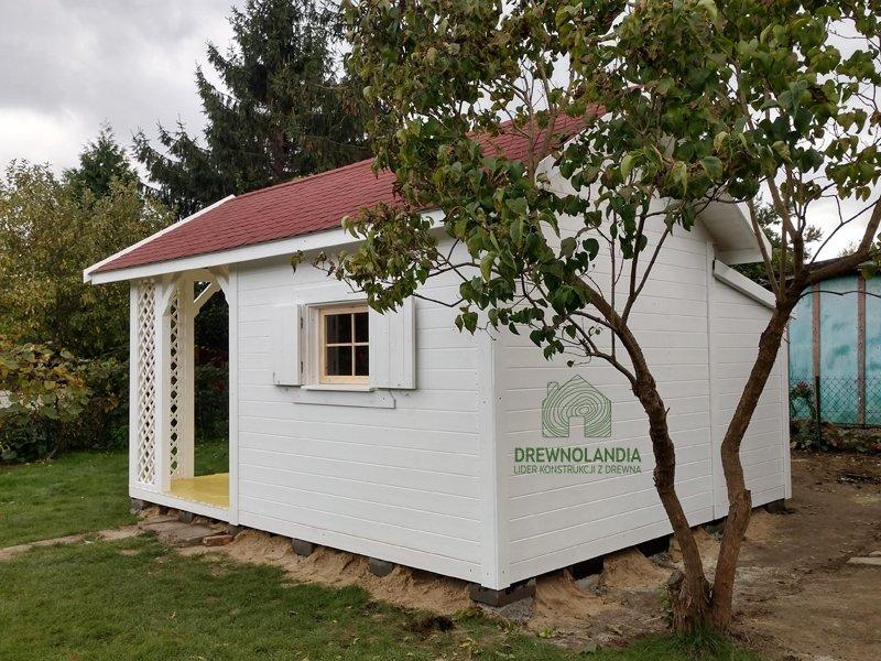 Domek drewniany adrian malowanie montaz
