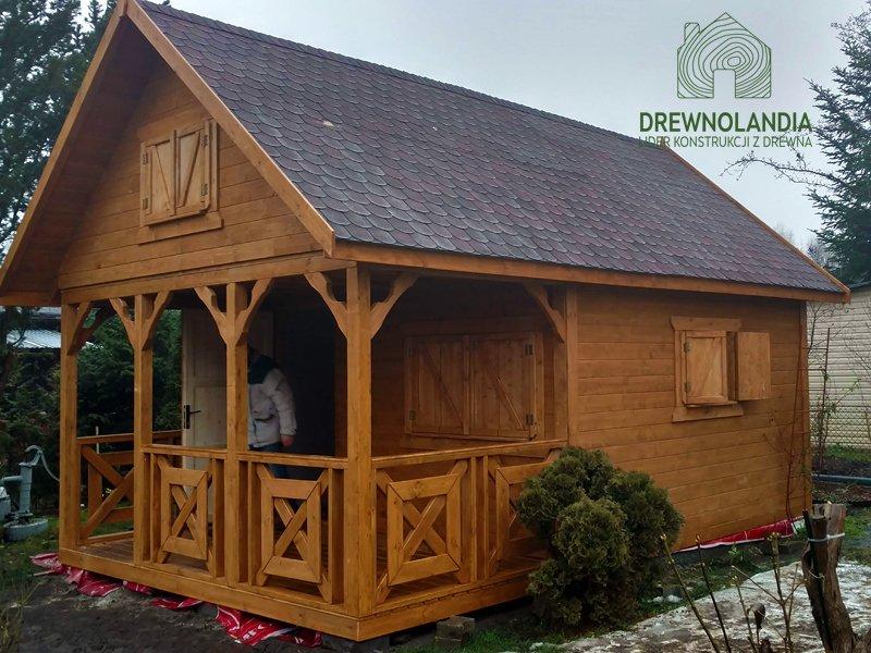 Domek z drewna letniskowy