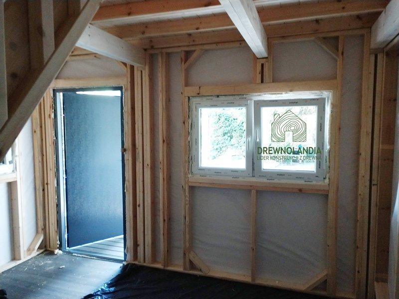 Domek drewniany od srodka