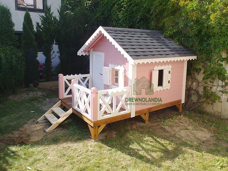 Male drewniane domki dla dzieci