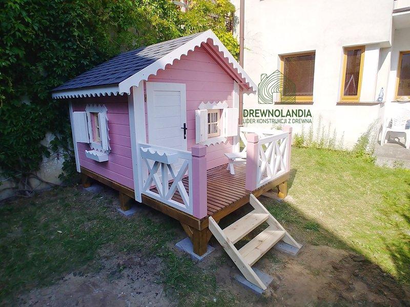 Drewniany domek dla dzieci reksio