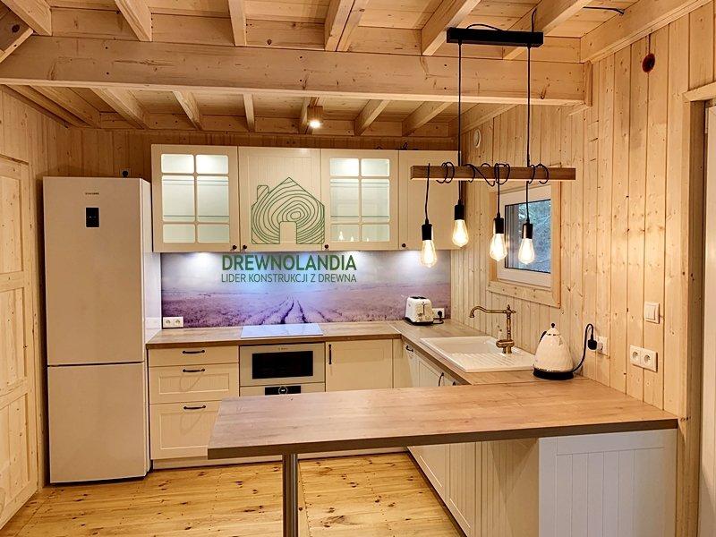 Dekoracja wnetrza domku drewnianego