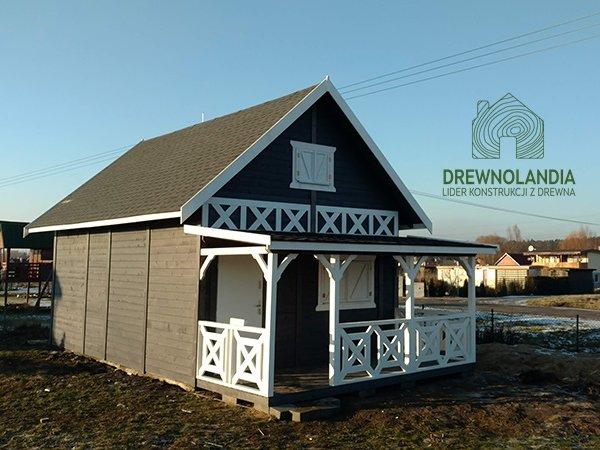 janusz dom z drewna z tarasem i poddaszem