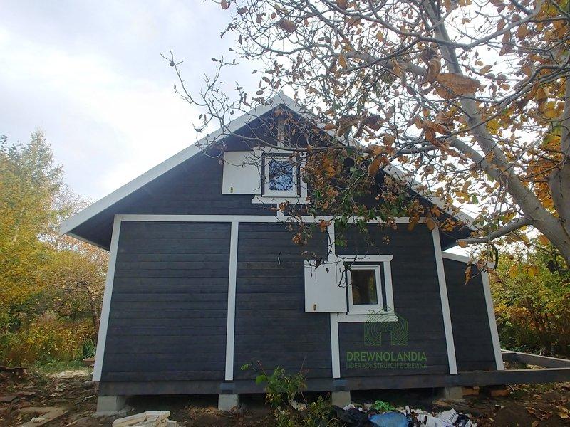Dom drewniany adam z tarasem cena montażu